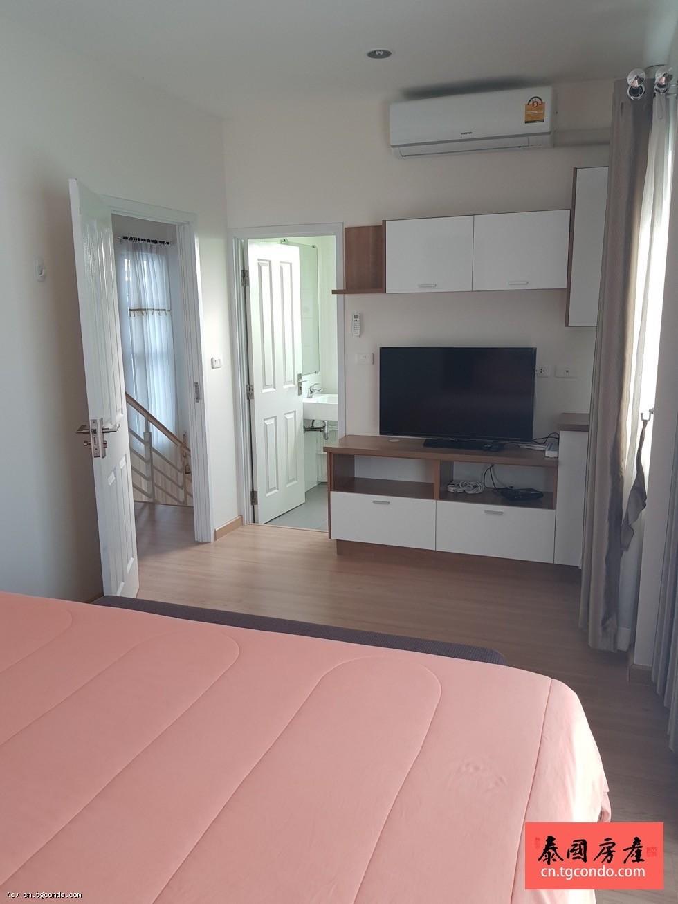 泰国是拉差三房三卫双层独栋別墅