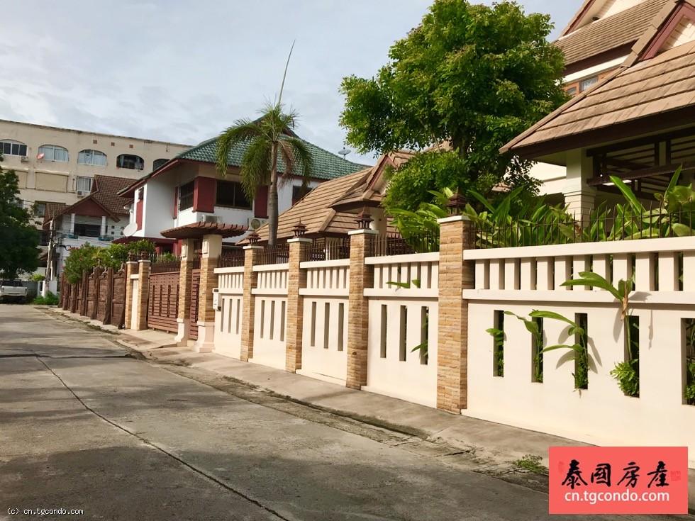 泰国芭提雅市区别墅出租,4房4卫