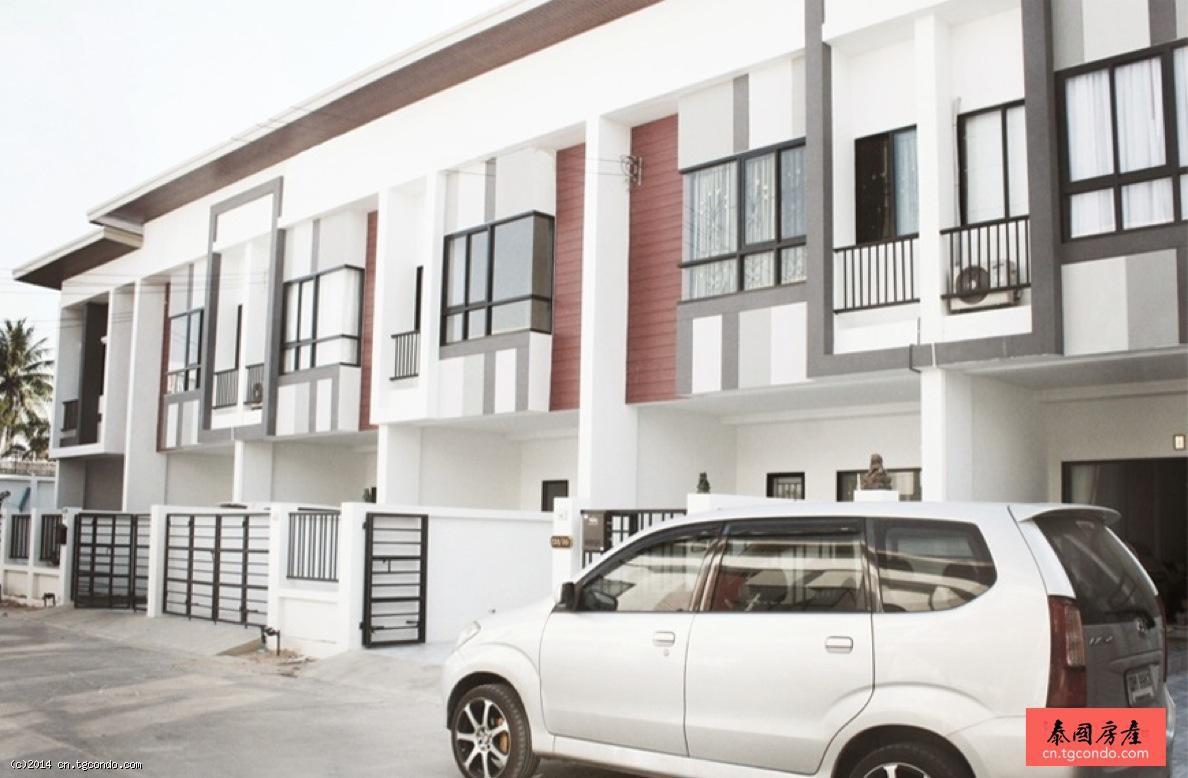 泰国芭提雅100平帕塔联排别墅Patta Town