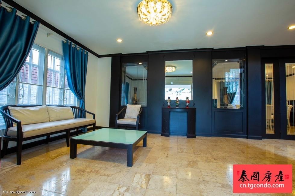 泰国芭提雅市区四房四卫豪华泳池别墅出租